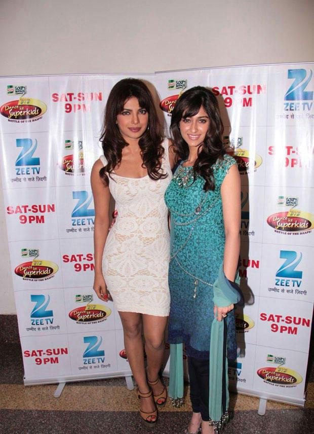 Priyanka With Ileana On Location Of DID Dance Ke Superkids For Barfi Promoting