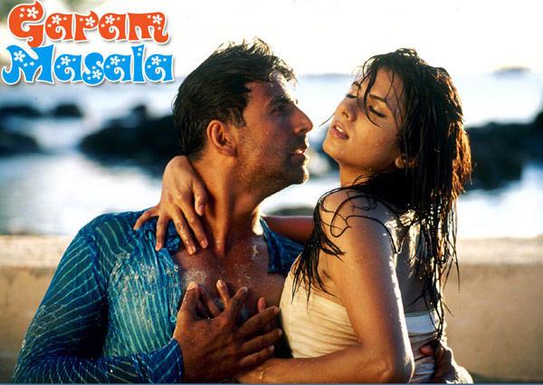 Akshay Kumar Hot Scene In Garam Masala