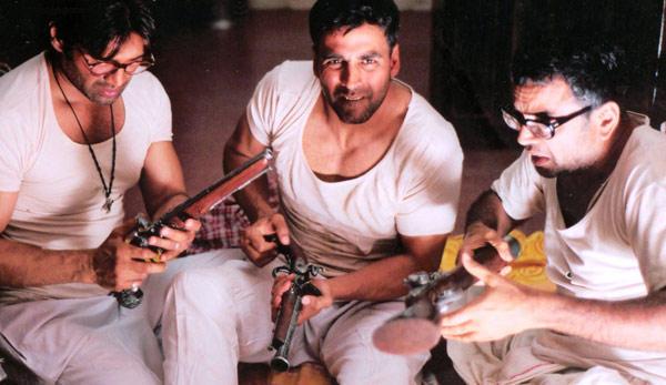 Sunil,Akshay and Paresh In Phir Hera Pheri