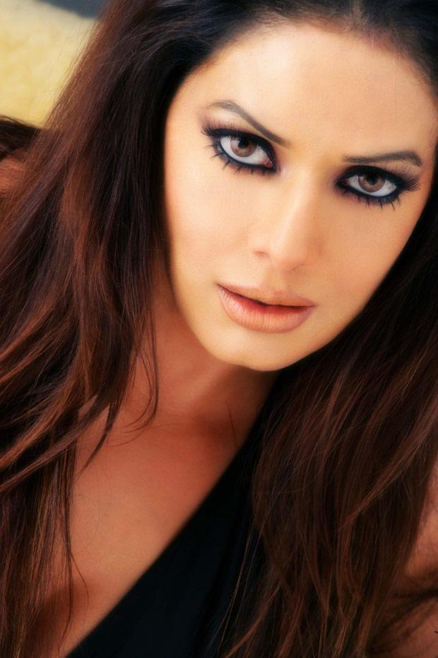 Poonam Jhawar Hot Smoky Eyes Look Still