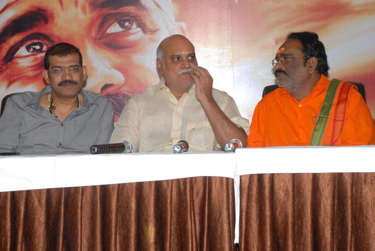K.Raghavendra Rao and Mahesh Reddy at Shirdi Sai Movie Press Meet