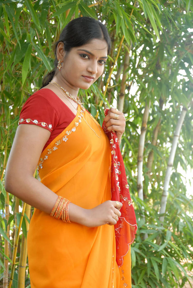 Keerthi Latest Photo Shoot In Saree