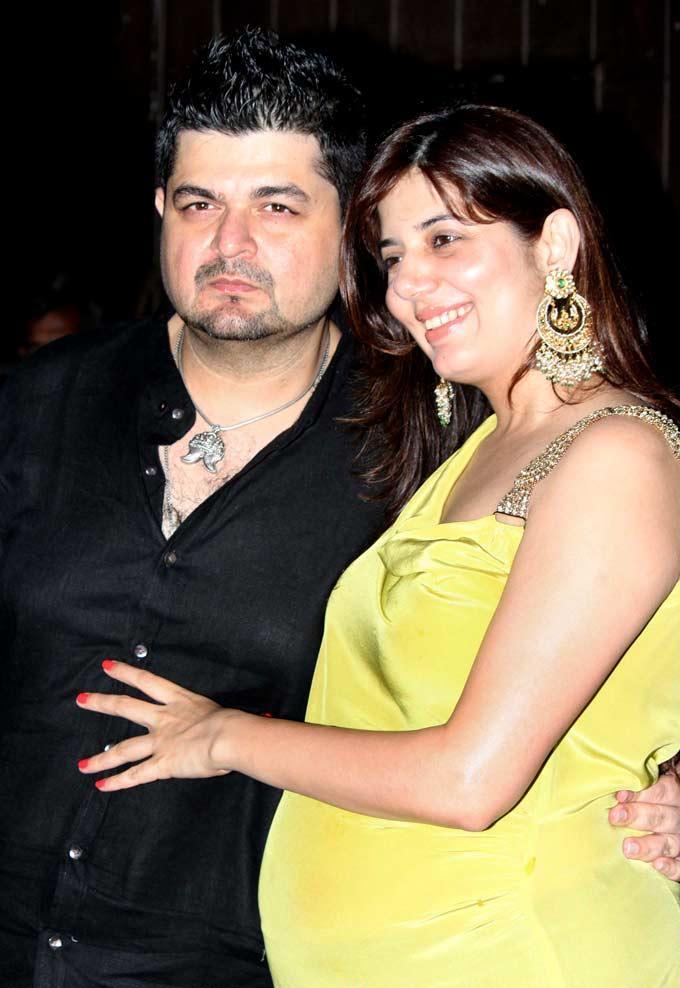 Dabboo Ratnani And His Wife Manisha During Raj Kundras Birthday Bash