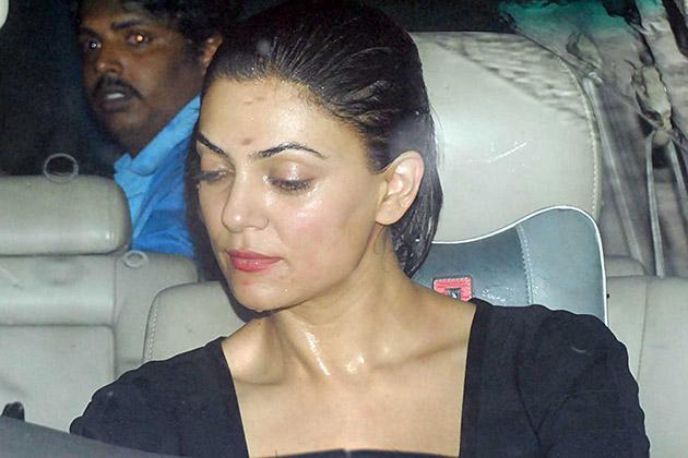 Hot Diva Sushmita Sen Arrives at Raj Kundras Birthday Party