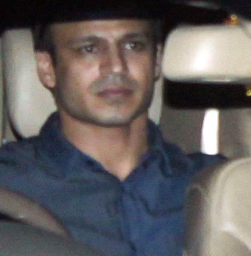 Vivek Oberoi Arrives Raj Kundras Birthday Bash