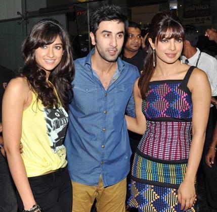 Ileana,Priyanka and Ranbir at R City Mall in Ghatkopar For Their Movie Barfi Promotion