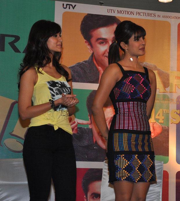 Priyanka Chopra and Ileana Promote Barfi at R City Mall