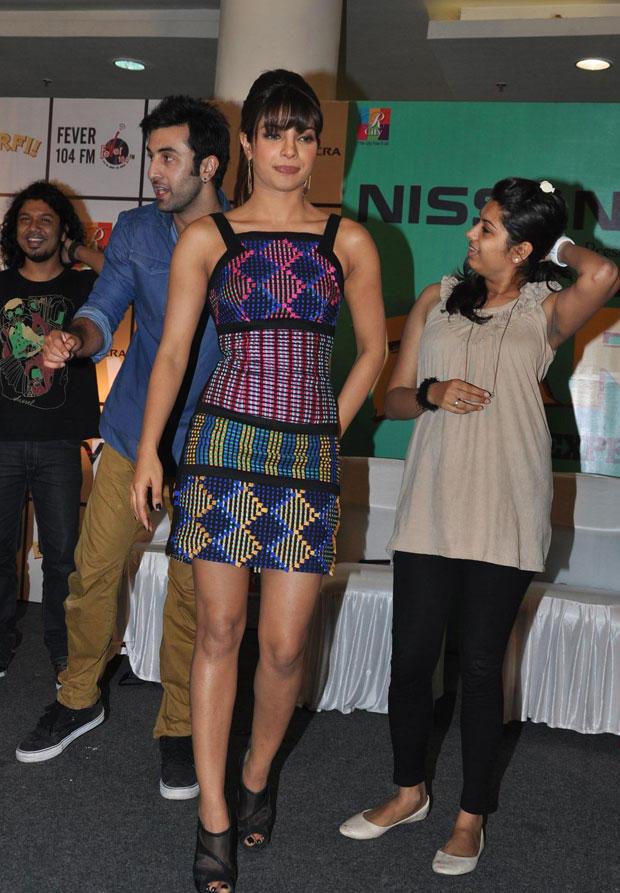 Priyanka Chopra Looks Sizzling During Barfi Promotion In R City Mall