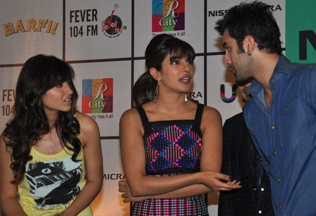Priyanka,Ileana and Ranbir Discussion During Barfi Promotion at R City Mall