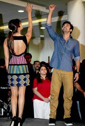 Ranbir Kapoor and Priyanka at R City Mall For Barfi Promotion