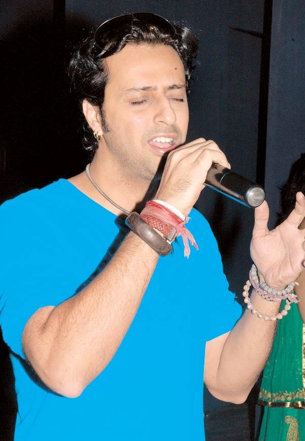 Salim Merchant Singing In Praise of Lord Ganesha