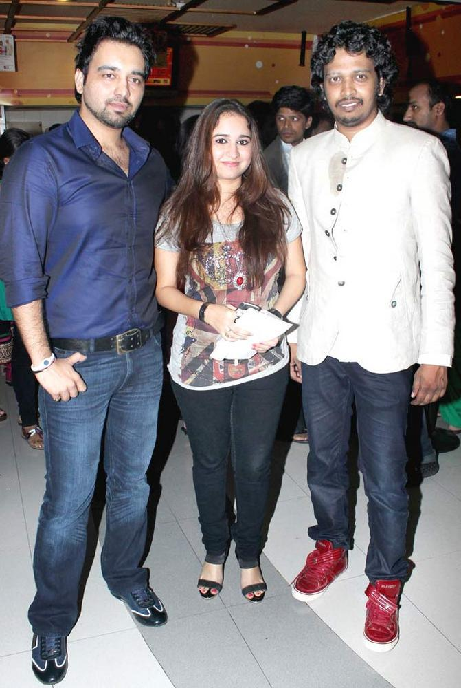 Prajakta Shukre With Friends at No Entry Pudhe Dhokha Aahe Premiere