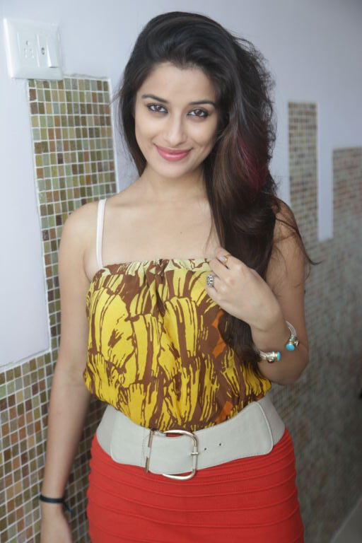 Madhurima Glowing Face Look Photo Shoot