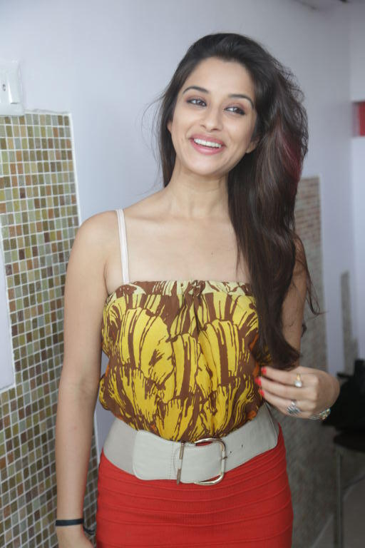 Madhurima Open Smile Pose Photo Shoot