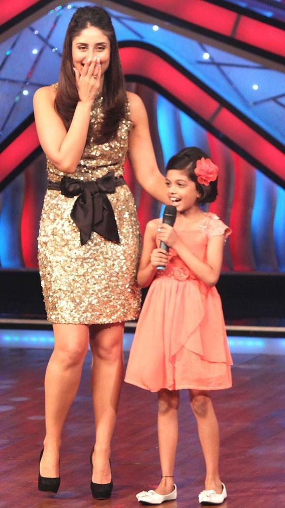 Kareena Kapoor and Shreya Fun Still at  DID Dance Ke Superkids Reality Show
