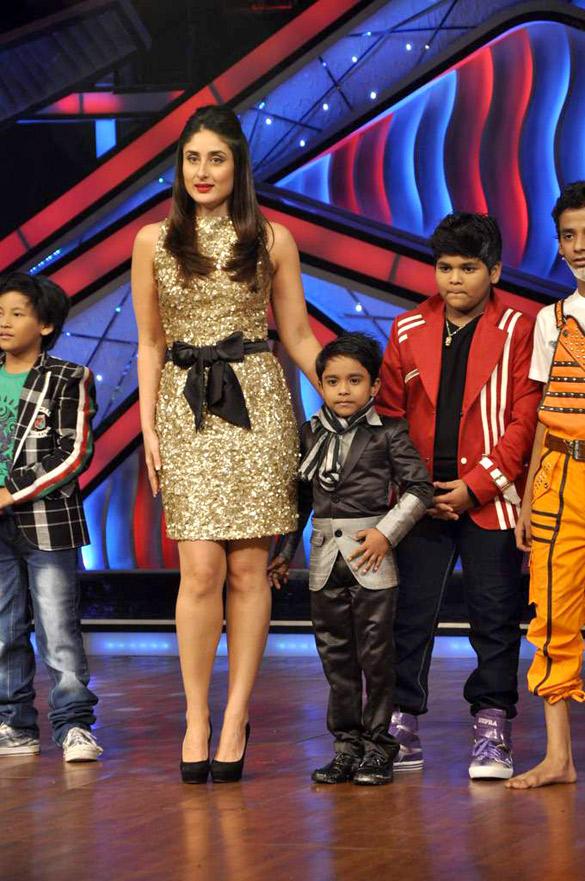 Kareena Kapoor With Contestants On DID Dance Ke Superkids Stage