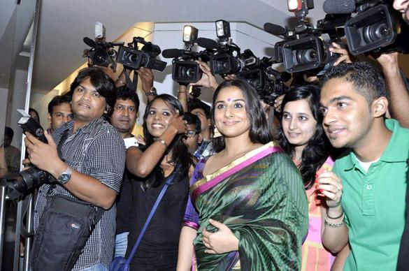 Vidya Balan Unveils Viveek Sharma's Art Exhibition