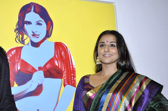 Vidya Balan at Viveek Sharma's Art Exhibition Inauguration Event