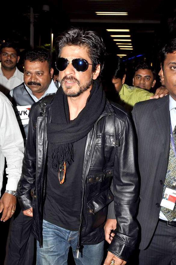 Shahrukh Khan With Beard Snapped at Mumbai International Airport