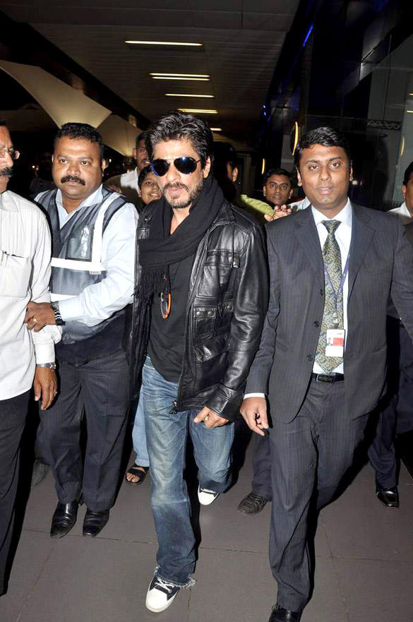 Shahrukh Khan Snapped at Airport Returning From London