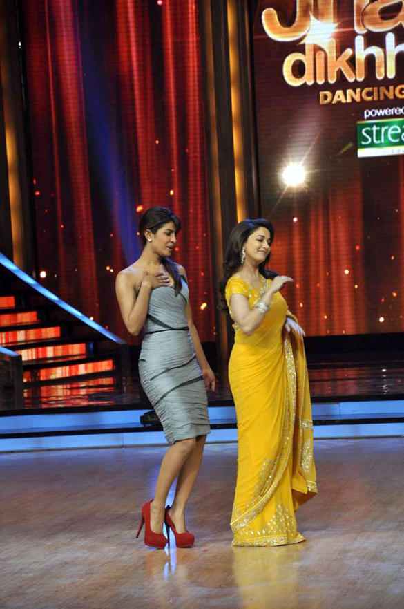 Priyanka and Madhuri A Sizzling Performance Still at The Promotional Event Of Barfi
