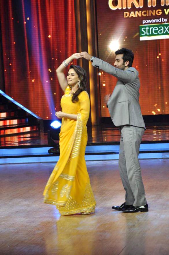 Ranbir and Madhuri Romantic Performance Still On Jhalak Dikhhla Jaa Stage