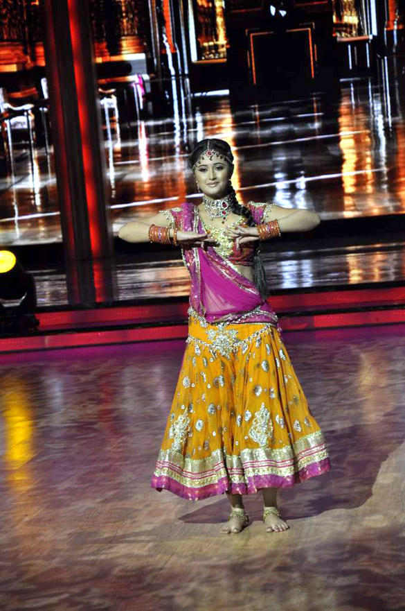 Rashmi Desai Performs On The Stage at The Promotional Event Of Barfi