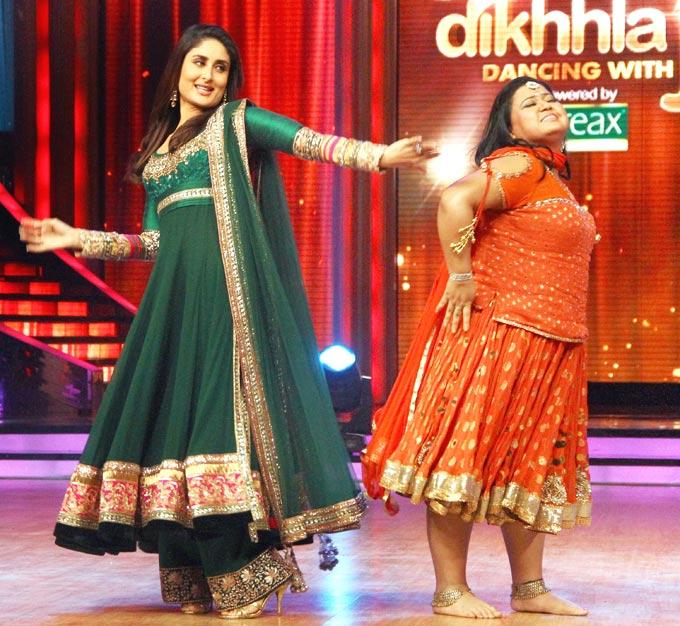 Bharti and Kareena Sexy Performance Still at The Promotional Event Of Heroine at Jhalak Dikhhla Jaa