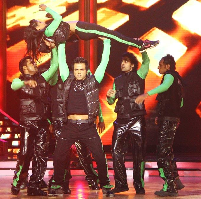 Rithvik Dhanjani and Mohena Latest Performance Still On Jhalak Dikhhla Jaa Stage