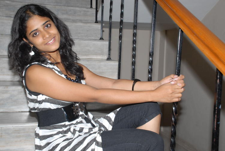 Samatha Sexy Pose Photo Shoot On Staircase