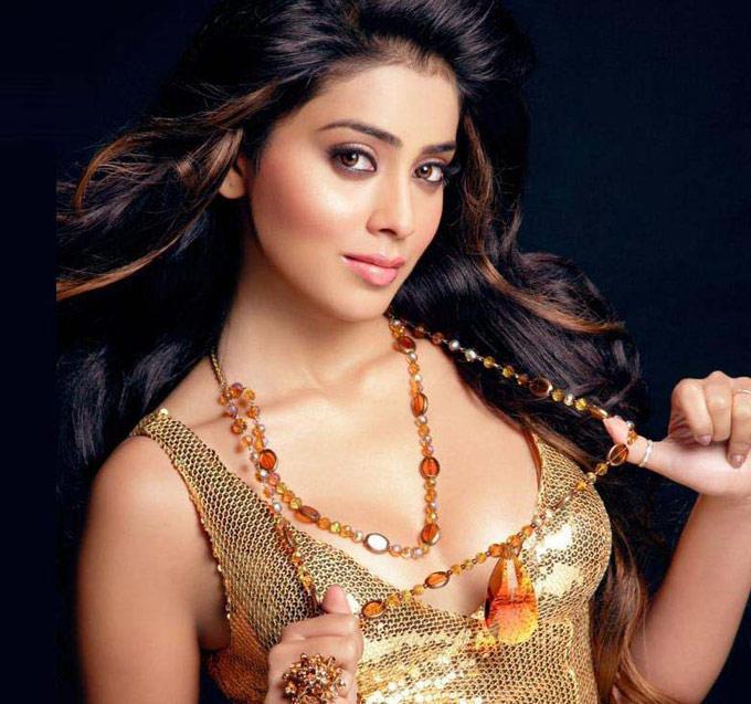 Shriya Saran Bold Spicy Look Photo Shoot