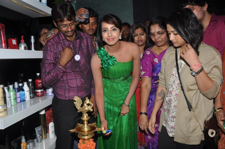 Naturals Salon Inaugurated by Sanjana Galrani