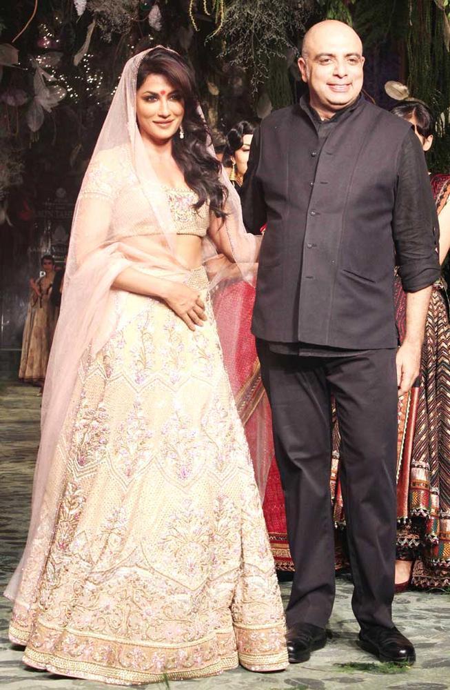 Chitrangada Singh Showstopper For Designer Tarun Tahliani At India Bridal Fashion Week