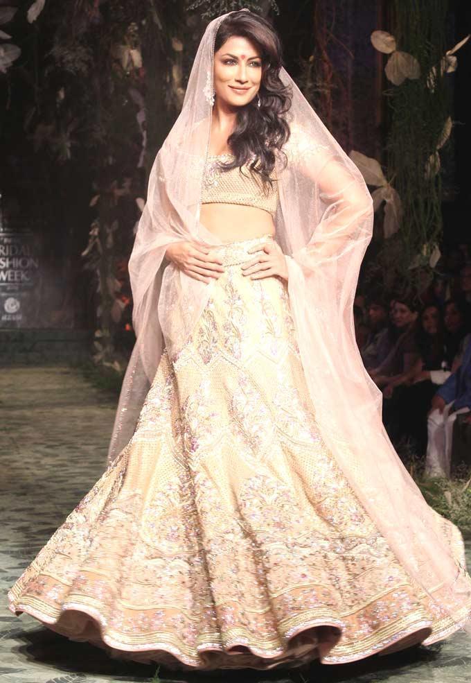 Chitrangada Singh Sizzles On Ramp at India Bridal Fashion Week 2012