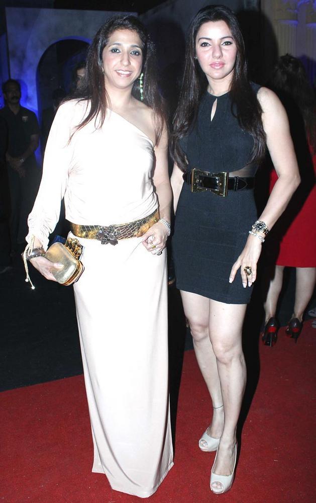 Krishika Lulla and Kehkashan Patel Pose During At India Bridal Fashion Week