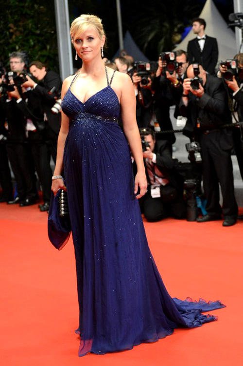 The Hot Mama Reese Witherspoon Latest Still In Blue Gown