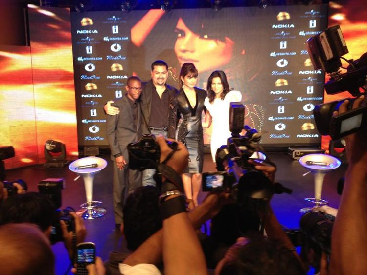 Priyanka Chopra Pose During The Launch Of Her Debut Single In My City