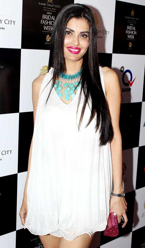 Hot Celeb Snapped at Aamby Valley Bridal Fashion Week 2012 Day 2 Event