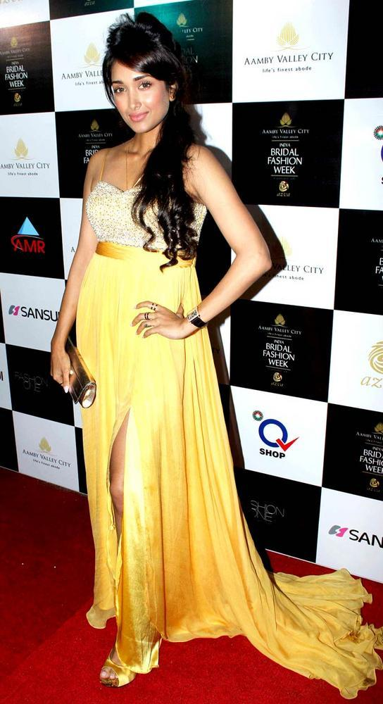 Jiah Khan Pose In High Cut Gown During Aamby Valley Bridal Fashion Week 2012