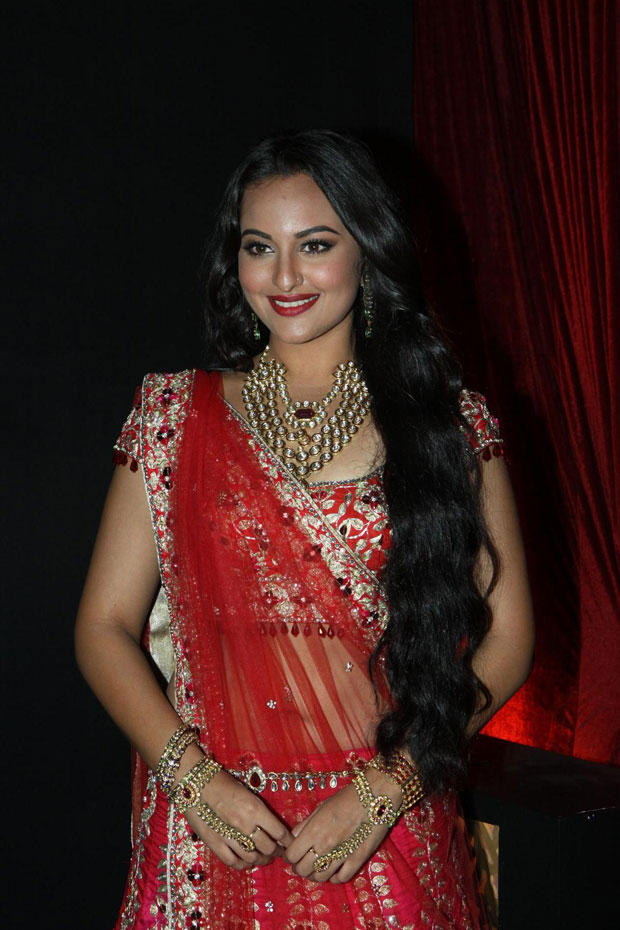 Sonakshi Looks Radiant in Bridal Wear By Jyotsana Tiwari at Aamby Valley India Bridal Fashion Week-2012