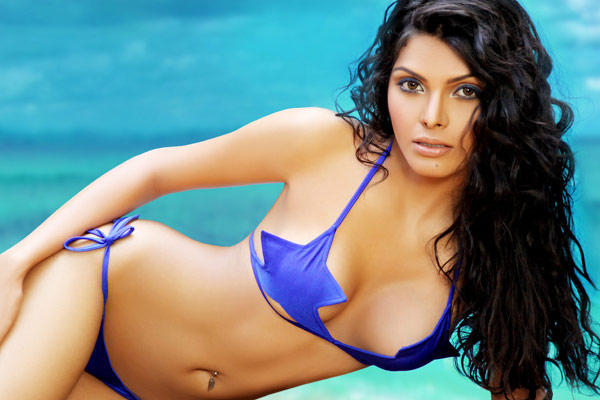 Sherlyn Chopra Bikini Hot Shocking Pic