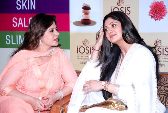 Shilpa and Kiran During The Launch of IOSIS Spa Lucknow Branch Event