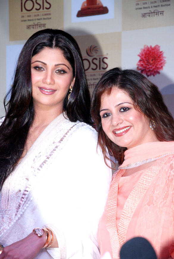Shilpa Shetty and Kiran Bawa Launch The Lucknow Branch Of IOSIS Spa