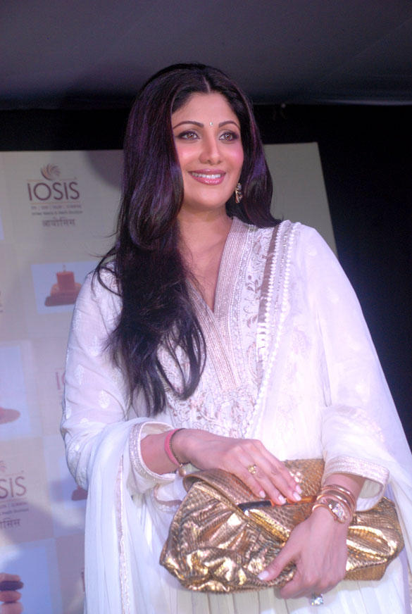 Shilpa Shetty Spotted at Launch of IOSIS Spa Lucknow Branch