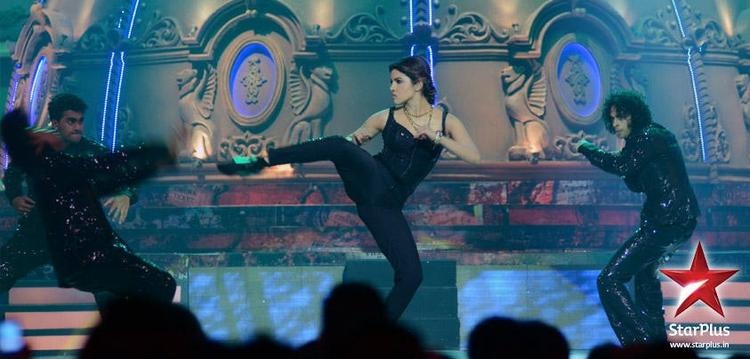 Priyanka Chopra Performs at BIG Star Young Entertainment Awards