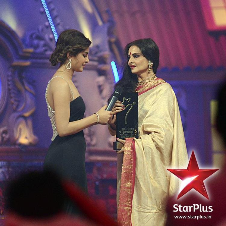 Priyanka With Rekha at BIG Star Young Entertainment Awards