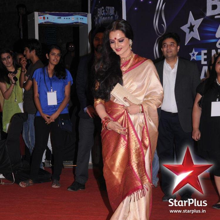 Rekha Snapped at BIG Star Young Entertainment Awards 2012