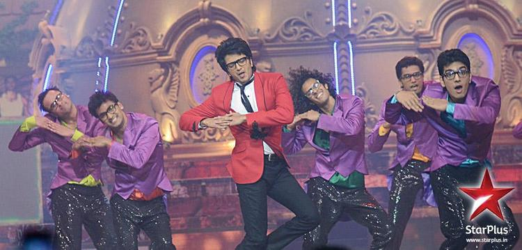 Riteish Cute Performance Still at BIG Star Young Entertainment Awards 2012