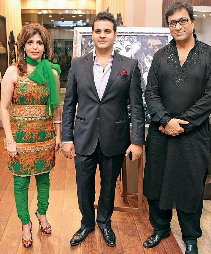 Bina Aziz,Sushil Sharma and Talat Aziz at An Art and Jewellery Exhibition At The Store in Grand Hyatt