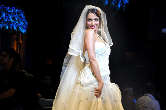 Malaika Walks The Ramp at Aamby Valley India Bridal Fashion Week 2012 For Designer Mandira Wirk